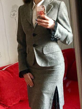 Жіночий костюм класичний, сірий 36 розмір