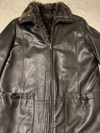 Тепла жіноча куртка