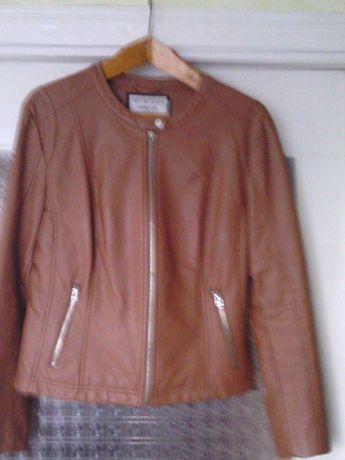 Курточка демисезонная женская размер 48.