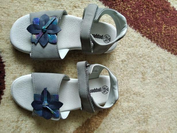 Sandały dziewczece