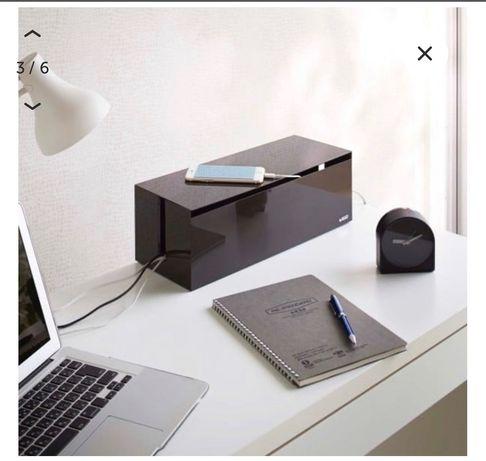 Biały, czarny pojemnik na ładowarki YAMAZAKI Web Cable Box