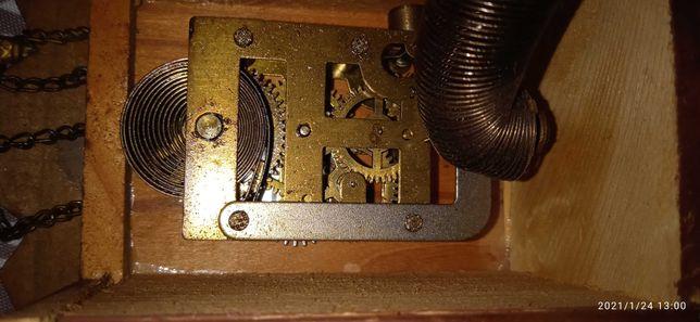 Zegar miniatura na sprężynie