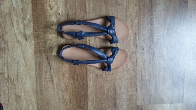 sandały damskie/młodzieżowe rozmiar 39