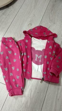 Розовый костюм с мики для девочки  3-ка