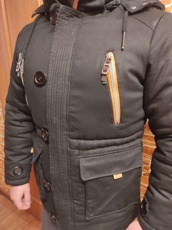 Мужская куртка,черного цвета, тёплая-зима.