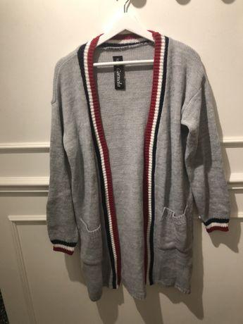 Szary sliczny sweter