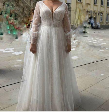 Неймовірна весільна сукня