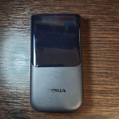 Nokia 2720 Flip телефон
