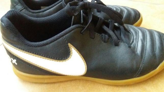 Nike halówki 38 - 38.5