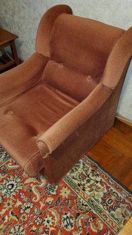 Два кресла шикарных