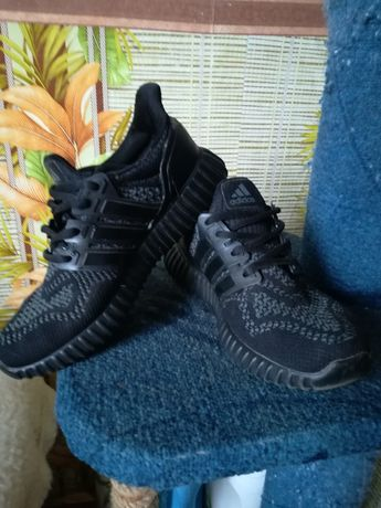 Кроссовки черные