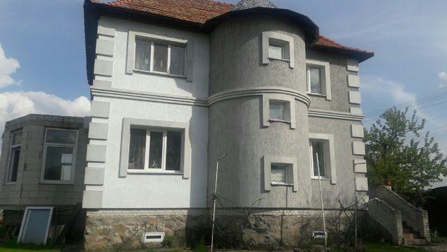 Продам дом и участок земли в Триполье.