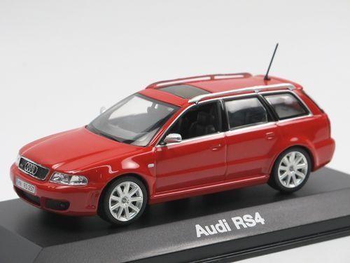 AUDI RS4 Avant Minichamps 1.43