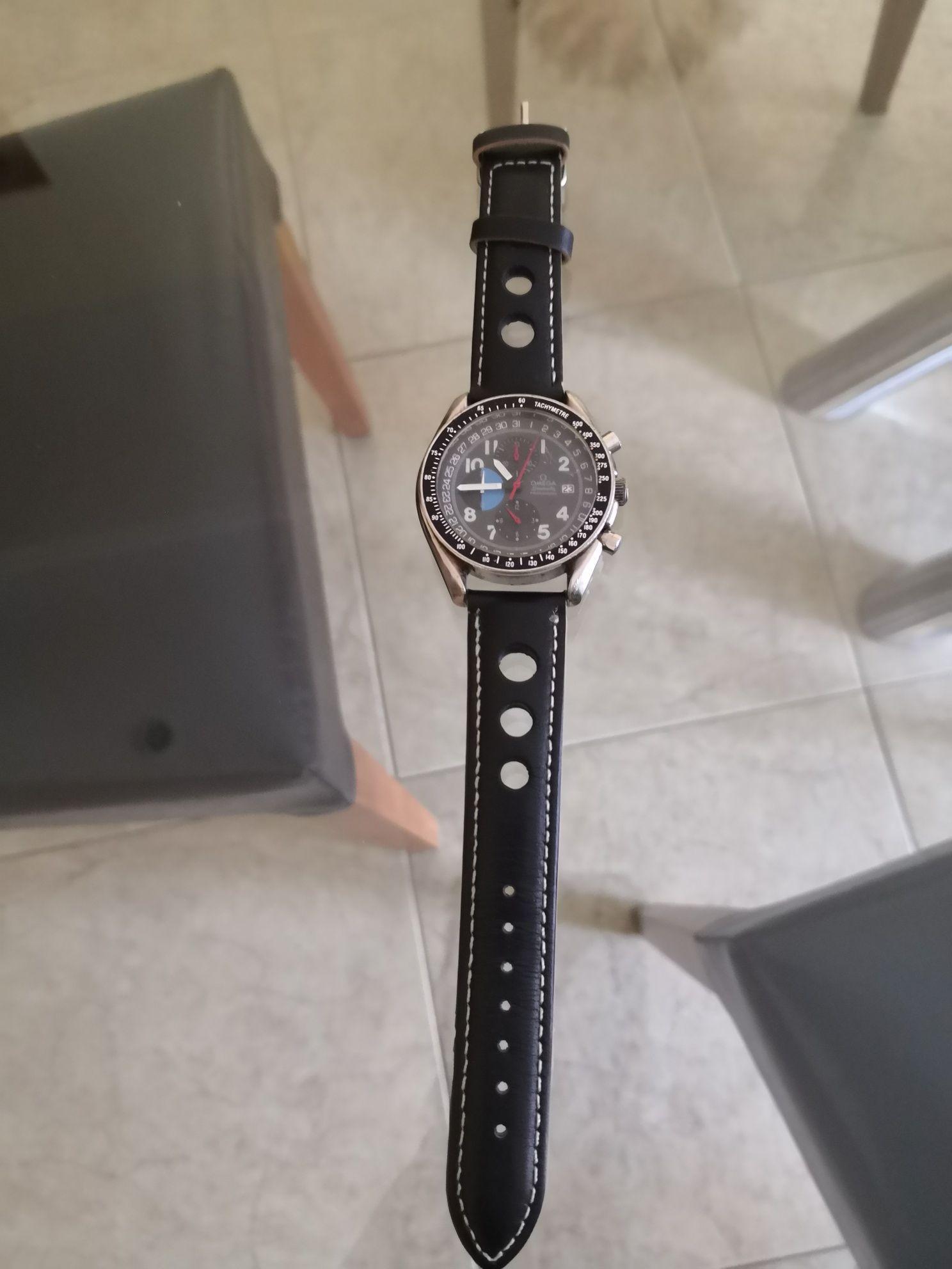 """Vendo relógio """"Omega"""""""