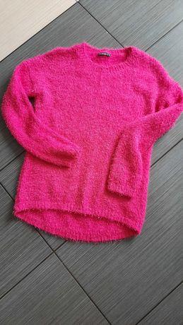 Sweterek z miękkim włosiem.