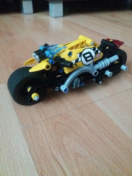 Lego Technic 42058 Motor z Napędem Sam Jeździ Instrukcja Jak Nowy