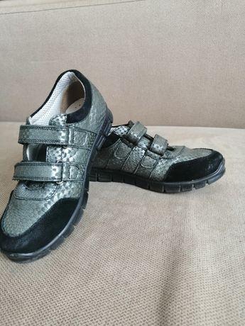Туфлі (туфли, мокасины)