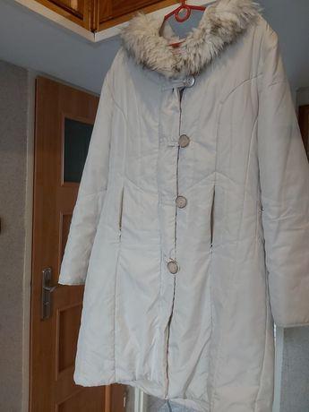Biała kurtka, płaszczyk BON PRIX.