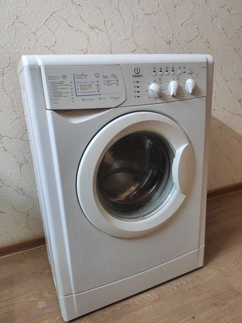 Стиральная машинка Indesit WISL103