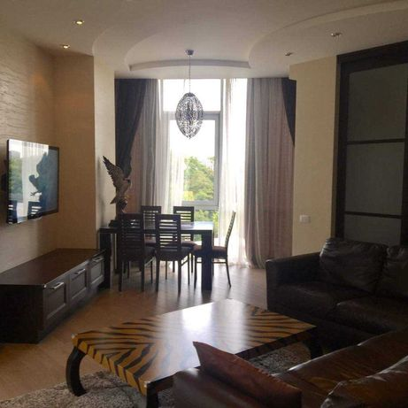Двухсторонняя квартира с авторский ремонтом и мебелью в Гранд Парке