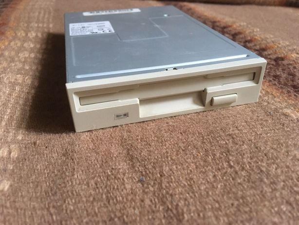 Флоппи Floppy дисковод отличное состояние