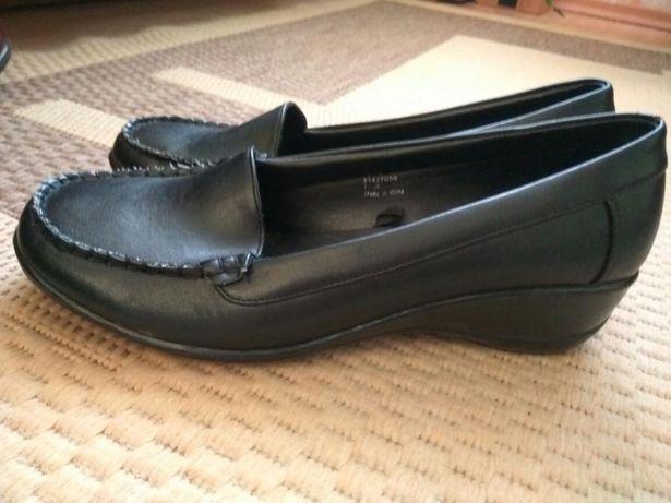 Damskie pantofle rozmiar 7