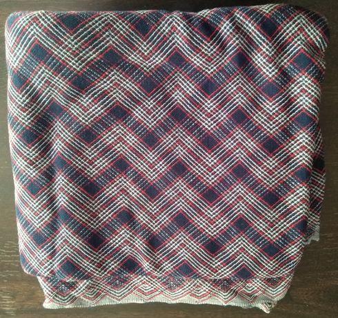 Tkanina na sukienkę lub garsonkę (w typie bukla)