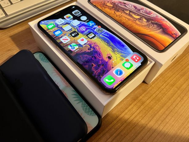 iPhone XS, Gold, 64GB (MT9G2RM/A) — Neverlock. Отличное состояние.