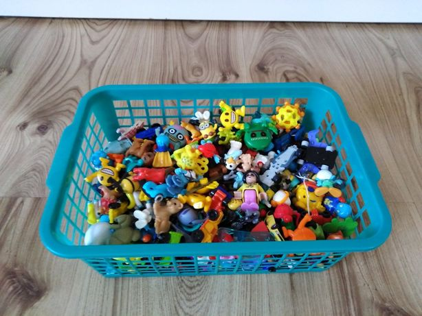 Cały koszyk zabawek Kinder niespodzianka