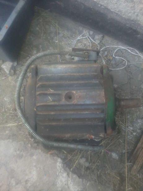 Электродвигатель с токарного станка
