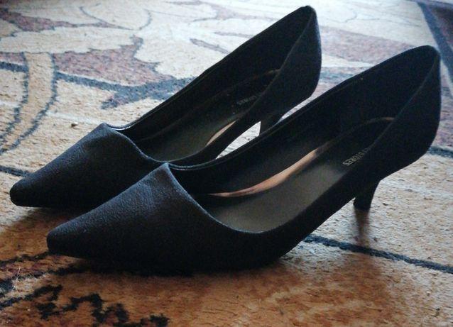 Buty szpilki zamszowe