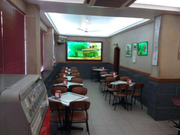 Passa-se Cafetaria + Apartamento T2+1 no Centro do Porto
