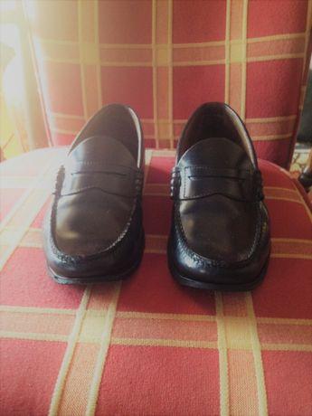 Lote ou Separado - 2 pares de sapatos Mocassins