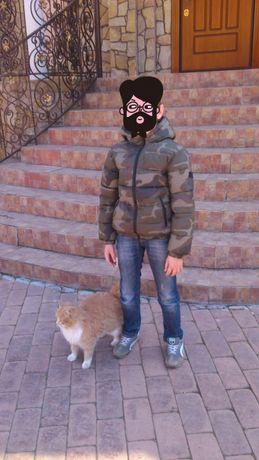 Фирменная демисезонная куртка Bennetton для мальчика 140см