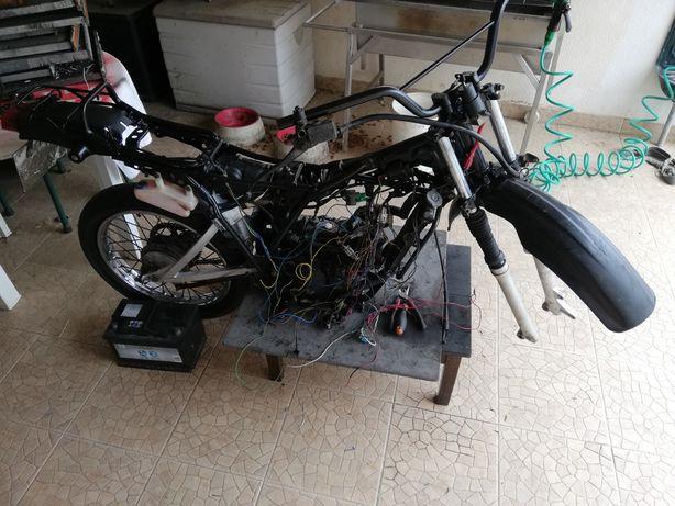 Yamaha dt50lc vendo peças