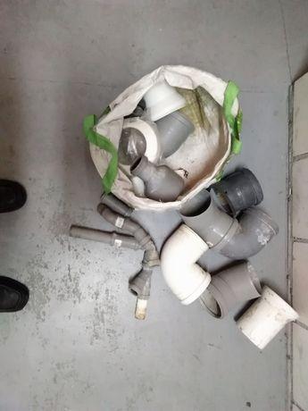 Kolanka i rury kanalizacyjne, syfon, części hydrauliczne