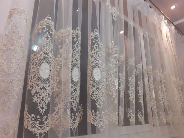 Тюль турецька, красива вишивка з бархатними вставками і камінями
