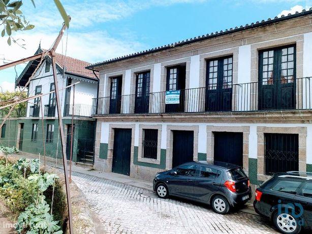 Moradia - 700 m² - T6
