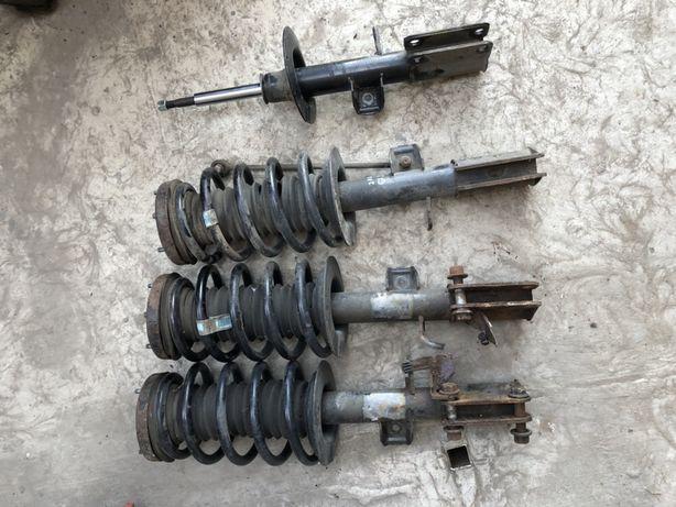 Передние амортизаторы BMW X5 e53