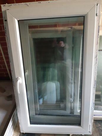 Okno z demontażu z ościeżnicą