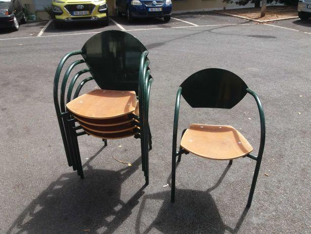 Cadeiras Esplanada Adico / Carlsberg