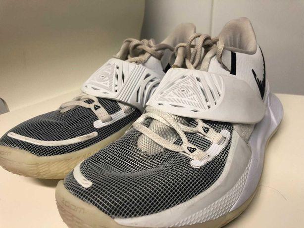 Sapatilhas de Basquetebol- Nike Kyrie Low 3 'Eclipse'