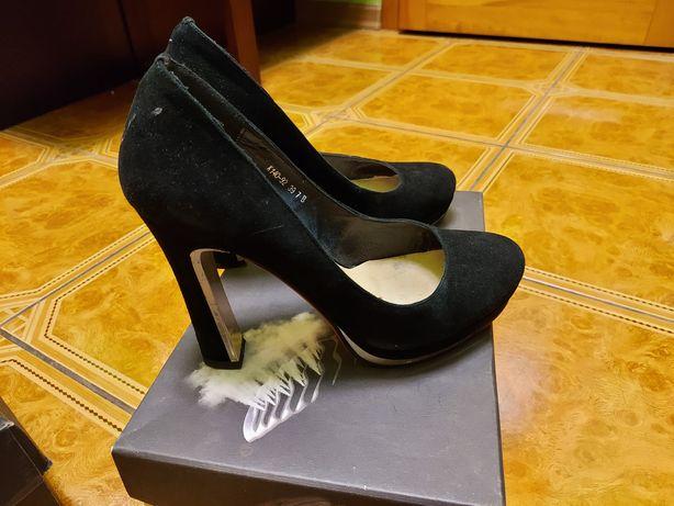 Замшевые туфли. Итальянские.  Натуральный замша.