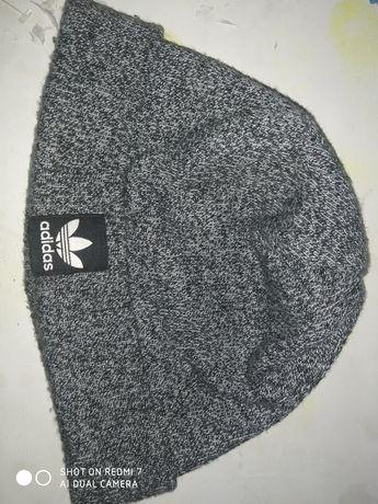 Шапка от фирмы Adidas