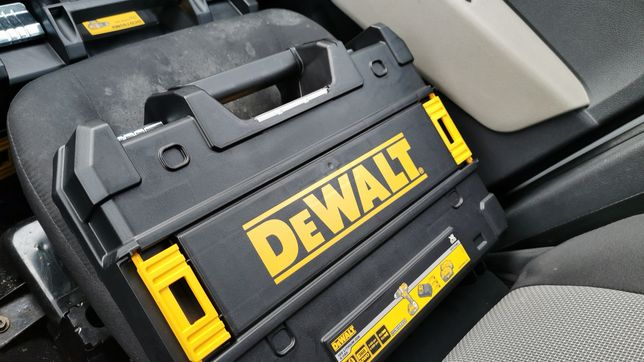 Wkrętarka Dewalt dcd790m2 nowa.