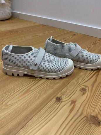 Sapatos Nuno Gama