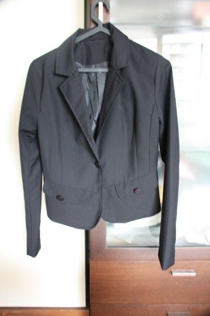 Casaco preto tamanho por usar tamanho XS