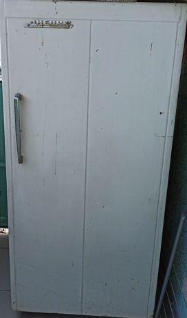 Холодильник Днепр на металлолом (металобрухт)