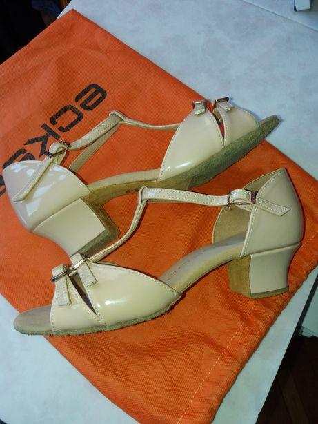 Танцевальные туфли для бальных танцев Eckse 22 размер