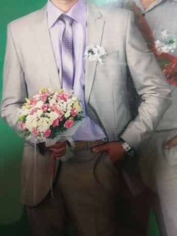 Продам мужской костюм 48/176